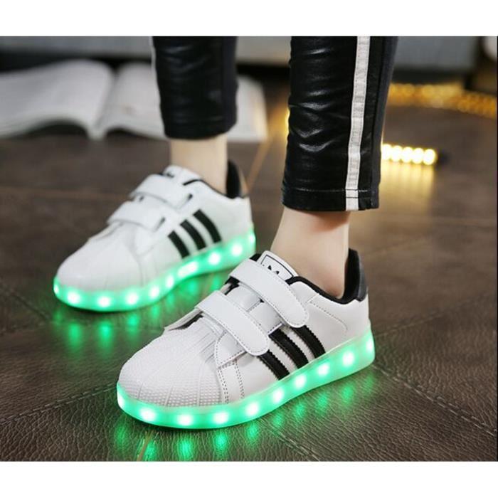 chaussure lumineuse enfant nike